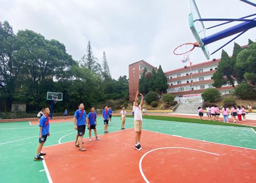 九江:乡村小学有了新操场